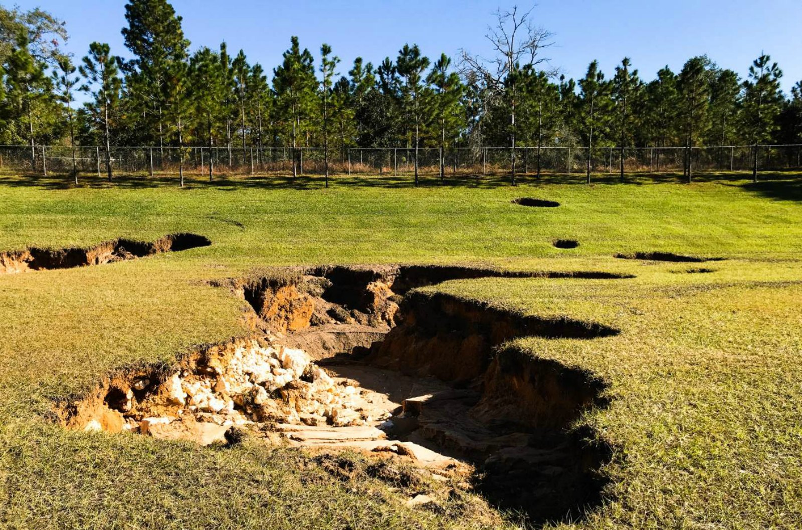 Radar System Sees Through Underground Pipes to Detect Potential for Sinkholes